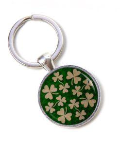 Schlüsselanhänger viele kleine Kleeblätter - Glücksbringer
