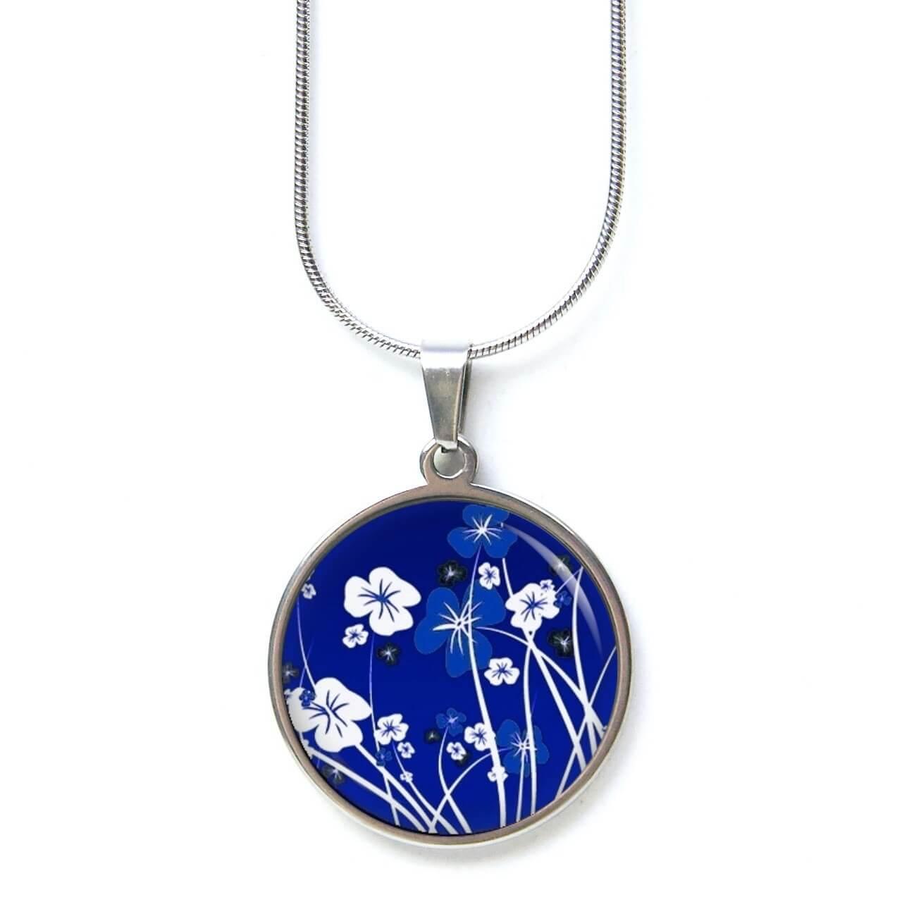 Edelstahl Kette dunkelblaue Blumen Wiese bei Nacht