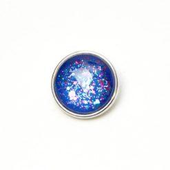 Druckknopf handbemalt in blau mit pinken und türkisem Glitzer