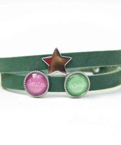 Grünes Lederarmband mit 2 Schiebeperlen und Stern - Wunschtext - Farbwahl
