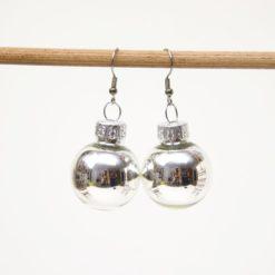 Weihnachtliche Christbaumkugel Ohrhänger Silber - Edelstahl