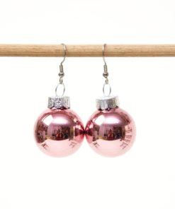Weihnachtliche Christbaumkugel Ohrhänger Altrosa - Edelstahl