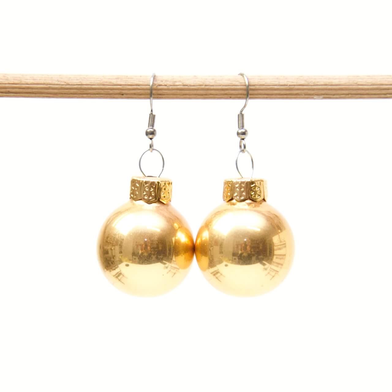 Weihnachtliche Christbaumkugel Ohrhänger Gold soft - Edelstahl