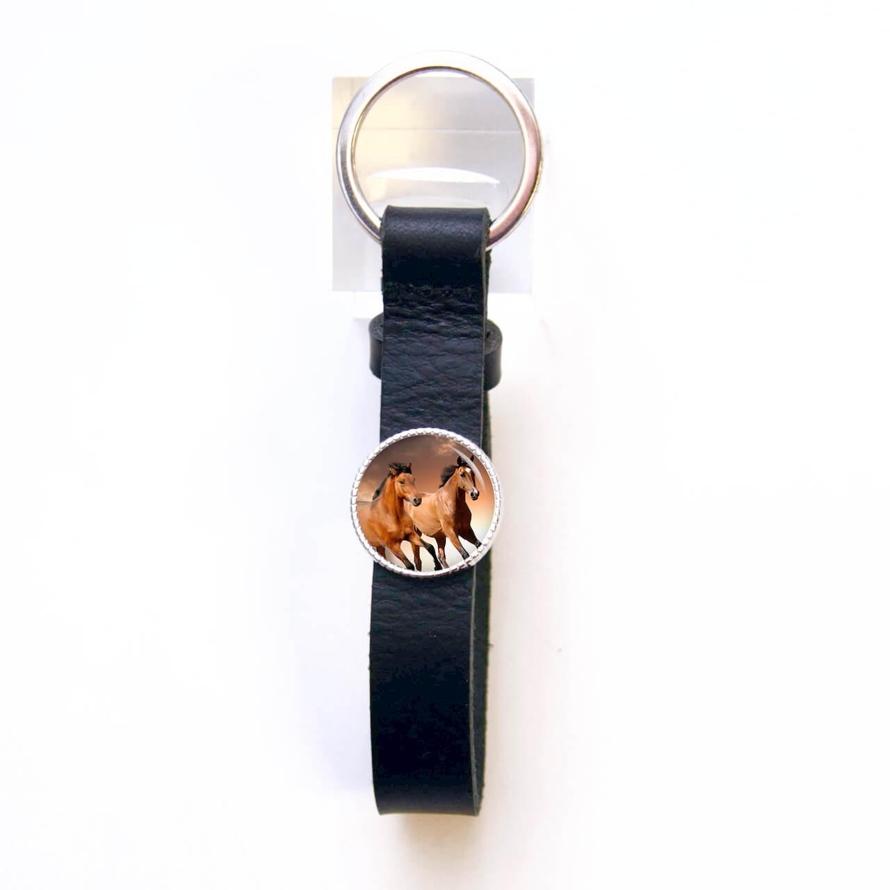 Schlüsselanhänger Leder schwarz mit Pferden