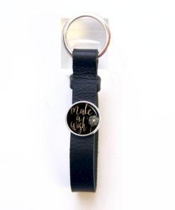 Schlüsselanhänger aus schwarzem Leder - Make a wish