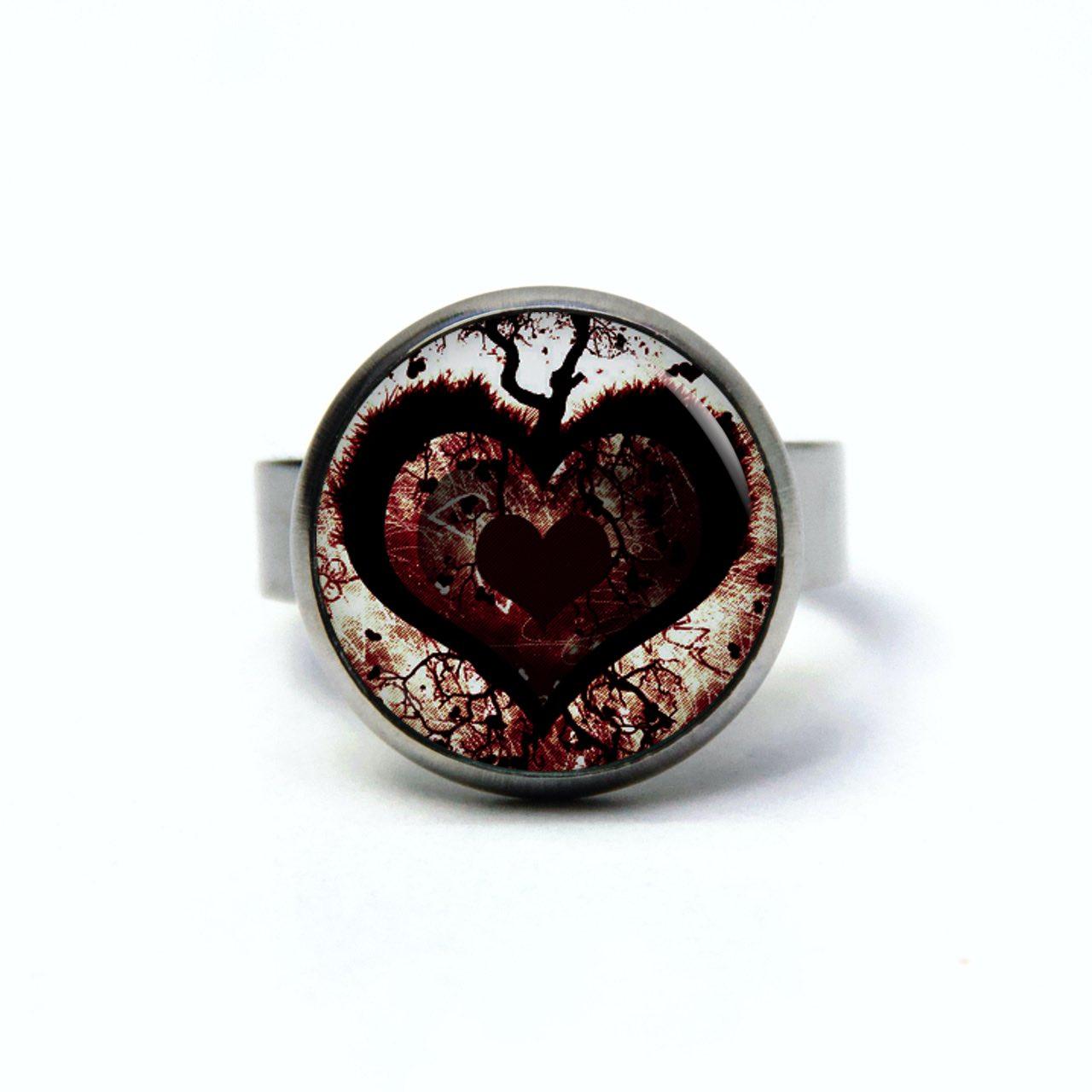 Edelstahl Ring dunkles Herz dunkelrot - verschiedene Größen