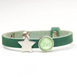 Grünes Lederarmband mit 1 Wunsch Text und Stern - Farbwahl