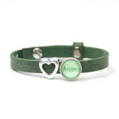 Grünes Lederarmband mit Wunschtext und Herz - Farbwahl