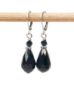 Edelstahl tropfen Ohrringe mit schwarzen Glasschliffperlen