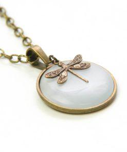 Vintage Halskette in weiß mit Libelle - Bronze oder Edelstahl