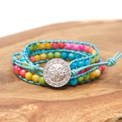 Blaues Leder Wickelarmband mit bunten Perlmutt Perlen