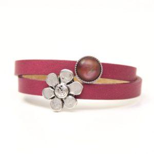 Wickelarmband aus Leder in rosarot mit großer Blume und Polaris Perle