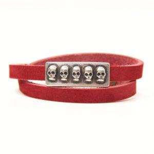 Wickelarmband aus Leder in rot mit 3D Totenkopf Schiebeperle