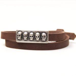 Wickelarmband aus Leder in braun mit 3D Totenkopf Schiebeperle