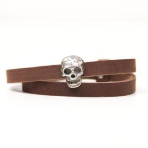 Wickelarmband aus Leder in braun mit gruseliger 3D Totenkopf Schiebeperle