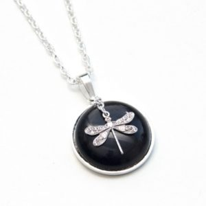 Zarte Halskette Schwarze Libelle