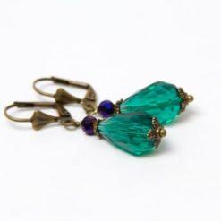 Bronzene tropfen Ohrringe mit grüner Glasschliffperle