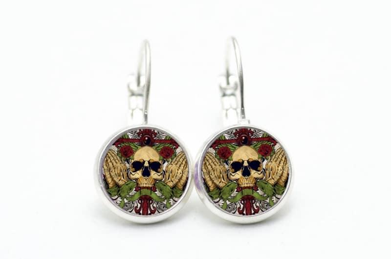 Ein Paar schöne Ohrstecker Stern skull Totenkopf Blume Ohrring