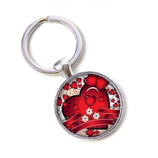 Schlüsselanhänger viele kleine rote Herzen mit einem großen Herz