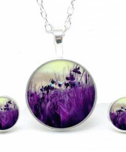 Set Kette mit Ohrringen violette Wiese mit Blumen
