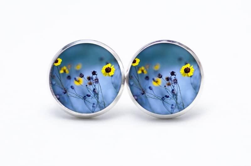 Druckknopf / Ohrstecker / Ohrhänger zarte Blumenwiese mit gelben Blumen