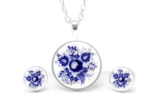 Druckknopf / Ohrstecker / Ohrhänger romantische dunkelblaue Blumen im Gzhel Stil