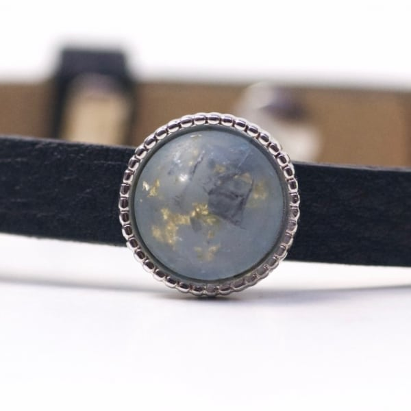 Schiebeperle mit hellblau gold gesprenkelter Polaris Perle