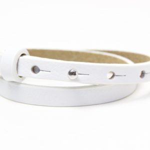 Weißes Lederarmband mit 1 Wunsch Namen und silberner Schleife - Farbwahl