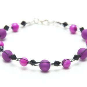 Zartes Armband in Violett und Schwarz