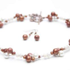 Eleganzte kurze Kette mit Goldsandstone Perlen
