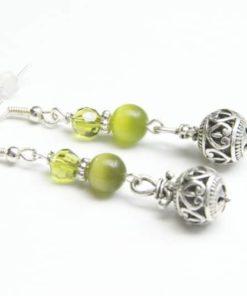 Tolle Kugel Ohrhänger in Olivegrün