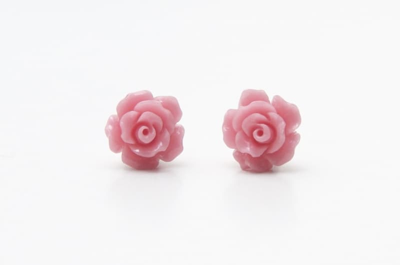 Zart rosa Rosen Ohrstecker - 10mm - Edelstahl