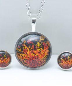 Schmuckset mit wildem Feuermotiv in Rot, Orange und Schwarz