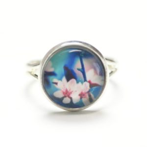 Zarter Ring mit rosa Orchidee