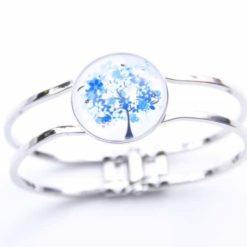 Armreifen mit blauem Baum